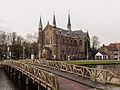 Alkmaar, de Sint Josephkerk RM522849 met Nassaubrug op de voorgrond foto7 2014-12-26 12.40.jpg