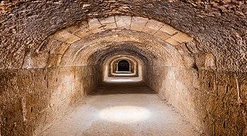 Hipogeu do anfiteatro de El Jem, um sítio arqueológico na cidade de El Jem, Tunísia.  (definição 8379×4632)