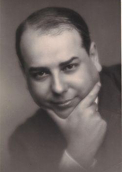 Antonio Ferro.jpg