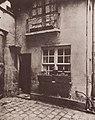 Atget, Eugène - Alte Häuser, alte Straßen, pittoreske Ansichten, Conciergerie in der Rue Domat No. 12 (Zeno Fotografie).jpg