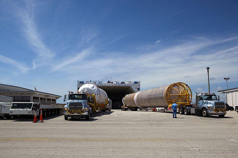 File:Atlas V booster offload CCAFS.jpg