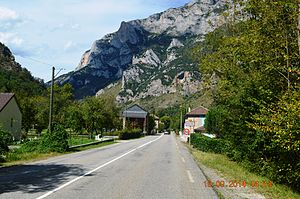 Aulos, Ariège - The entry to Aulos
