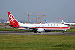 B-5705 - China United Airlines - Boeing 737-89P(WL) - CAN (15235287706).jpg