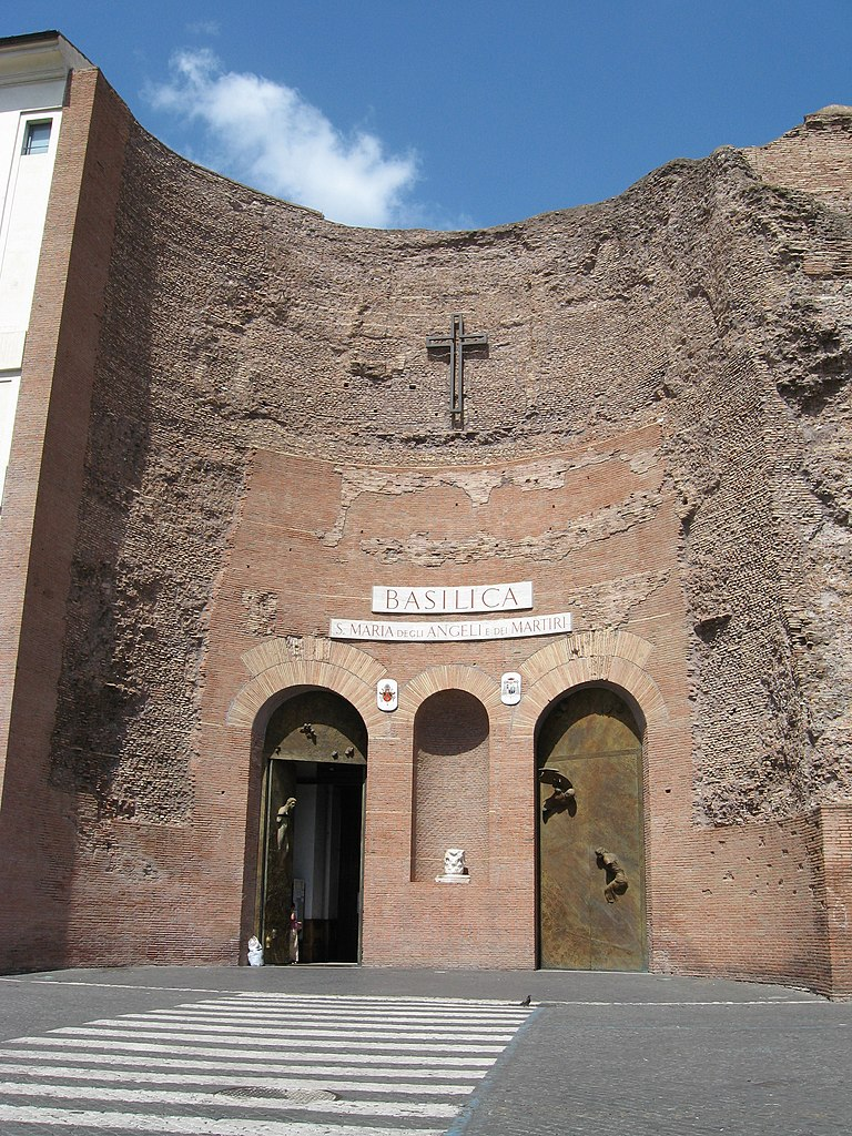 Façade de la Basilique Santa Maria degli angeli à Rome - Photo Roman SUZUKI