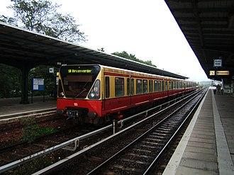S8 (Berlin) - Image: Bahnhof Berlin Grünau S8 2006
