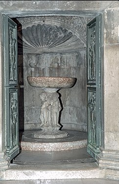 Baptismal font, Cathedral of St. James, Sibenik2 (js).jpg