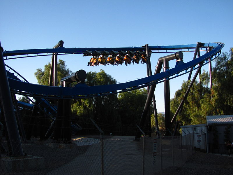 File:Batman The Ride Backwards at Six Flags Magic Mountain (13207736605).jpg