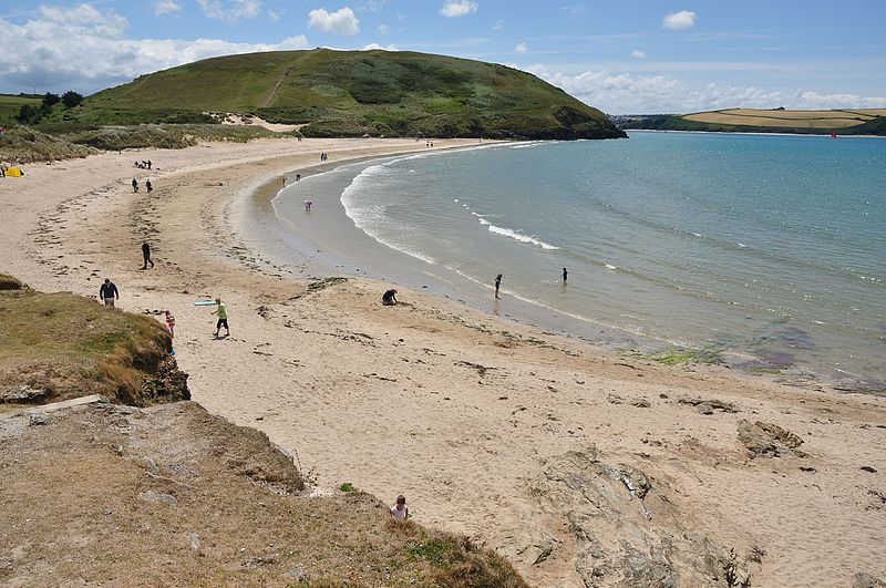 File:Beach at Daymer Bay (5380).jpg
