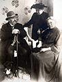 Benoit Oppenheim, Anna Oppenheim (Frau von Hugo O.), Marie von Leyden (Schwester der anderen).jpg
