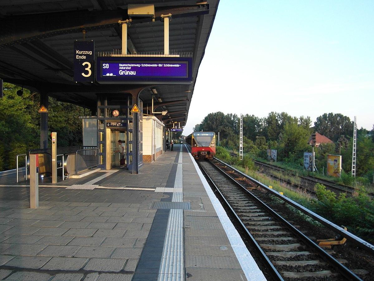 Bahnhof Berlin-Plänterwald – Wikipedia