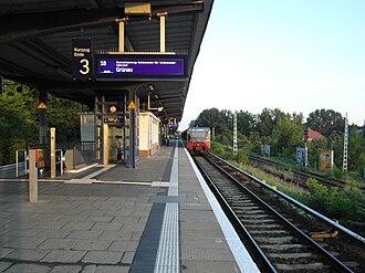 S8 (Berlin) - Image: Berlin S Bahnhof Plänterwald (7713983966)