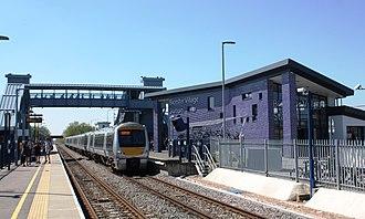 Bicester Village railway station - Image: Bicester Village Chiltern 168107+168325 London service