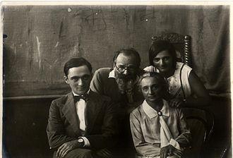 Boris Schatz - Boris Schatz with his wife, Olga, and children