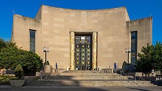 Brooklyn Public Library (48291925691).jpg