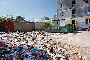 Ferentari - Waste between apartment buildings in Ferentari