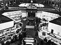 Bundesarchiv Bild 183-D1001-0013-003, Berlin, Zentralmarkthalle, HO-Verkaufsstelle.jpg