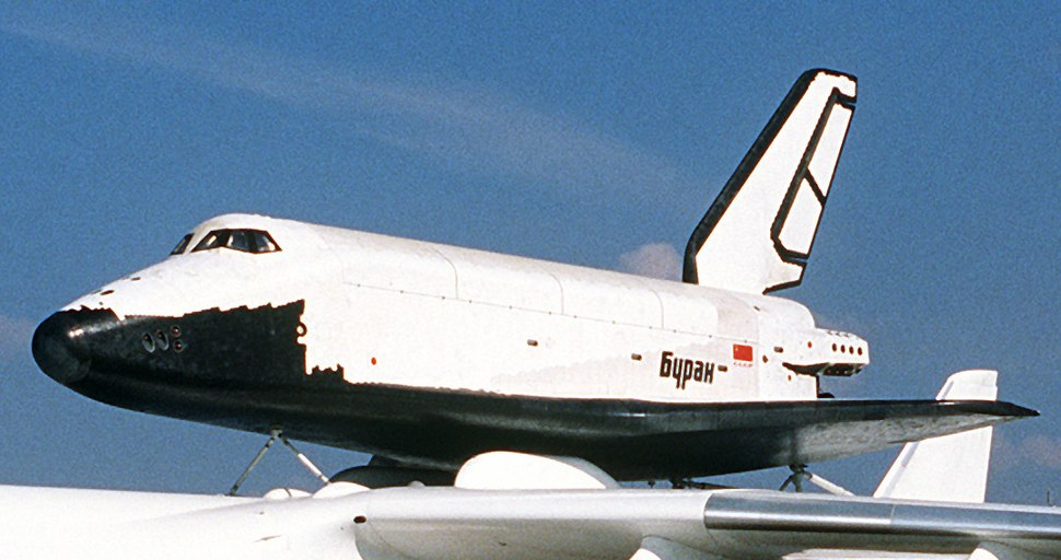 Buran on An-225 (Le Bourget 1989) (cropped).JPEG