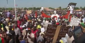2014 Burkinabé uprising - Thousands of protesters march through Ouagadougou