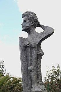 Busto de Óscar Domínguez, Tacoronte.JPG