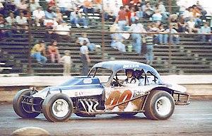 Buzzie Reutimann - Image: Buzzie Reutimann in 00 dirt car