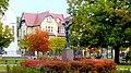 Bydgoszcz, Polska. - Jesienny widok pomnika Łuczniczki w parku im Jana Kochanowskiego. - panoramio.jpg