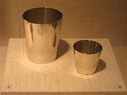 Camp cup and tumbler, 1795-1800, Paul Revere silver collection, Worcester Art Museum - IMG 7624.JPG