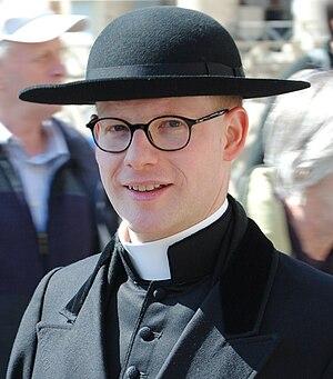 Cappello romano - Cleric wearing a cappello romano.