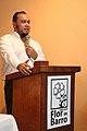 Carlos Anchetta en la presentación de un libro.jpg