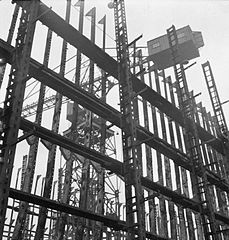 Cecil Beaton Photographs- Tyneside Shipyards, 1943 DB36.jpg