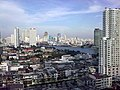 Chao Phraya River Skyline - panoramio.jpg