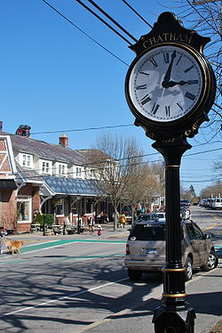 Chatham, MA clock Apr 2010.jpg