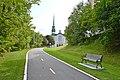 Chemin vers l'église Saint-Pierre, Shawinigan 2017-08-23.jpg