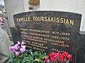 Cimetière de Villefranche-sur-Saône - Tombe famille Toursakissian (détail).jpg