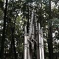 Cmentarz prawosławny w Warszawie neogotyk.jpg