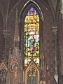 Collégiale Saint-Nicolas d'Avesnes-sur-Helpe vitrail autel 1.JPG