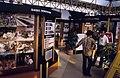 Collectie NMvWereldculturen, TM-20019435, Dia- Diverse exposities in de tentoonstellingsgebouwtjes op het Monasplein in Jogjakarta, ter gelegenheid van de 40 jarige onafhankelijkheid van Indonesië., Henk van Rinsum, 1985.jpg