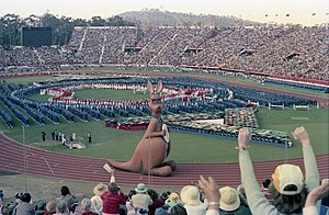 Omission of Tasmania from maps of Australia - Performers making a map of Australia (excluding Tasmania) during the 1982 Commonwealth Games opening ceremony.