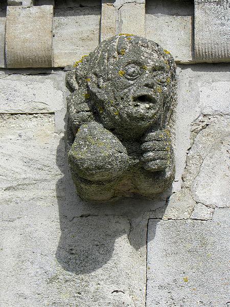 Église Saint-Martin de Courtisols (51). Modillon.
