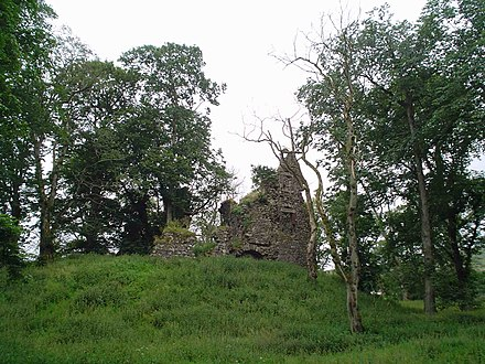Ruins of Crawford Castle, built in the land Thor's son Sveinn II passed to the de Lindsey family Crawford Castle.jpg
