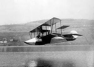 Curtiss Model F - Marshall Earle Reid at Lake Keuka in his Curtiss seaplane, 1912. Note the step in the hull.