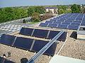 Dach des Gästehauses Freiherr vom Stein - Solarthermie und Photovoltaik.JPG