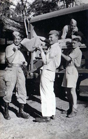 Prajurit Eerste Divisie 7 December mengeluarkan salah satu temannya