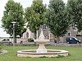 Dambron (Eure-et-Loir) Fontaine.JPG