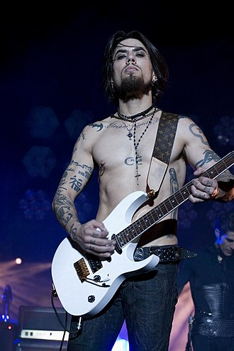 Red Hot Chili Peppers - Dave Navarro (pictured) replaced Jesse Tobias as guitarist in 1993