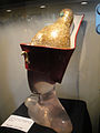 "Debbie Reynolds Auction - Elizabeth Taylor ""Cleopatra"" red crown and royal dome from ""Cleopatra"" (5852147056) (2).jpg"