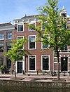 foto van Statig herenhuis van parterre en twee verdiepingen ter breedte van drie vensterassen