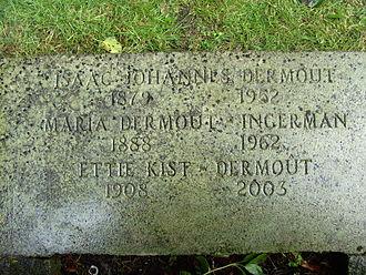 Maria Dermoût - Grave headstone