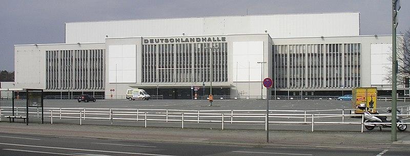 Datei:Deutschlandhalle.jpg
