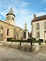 Deux-Chaises-FR-03-monument aux morts & église-01.jpg