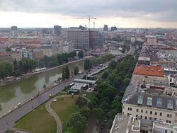 Donaukanal vom Ringturm sued.jpg